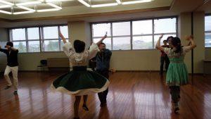 踊ってる2